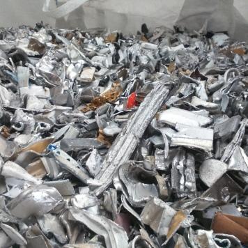 Aluminio lacado fragmentado